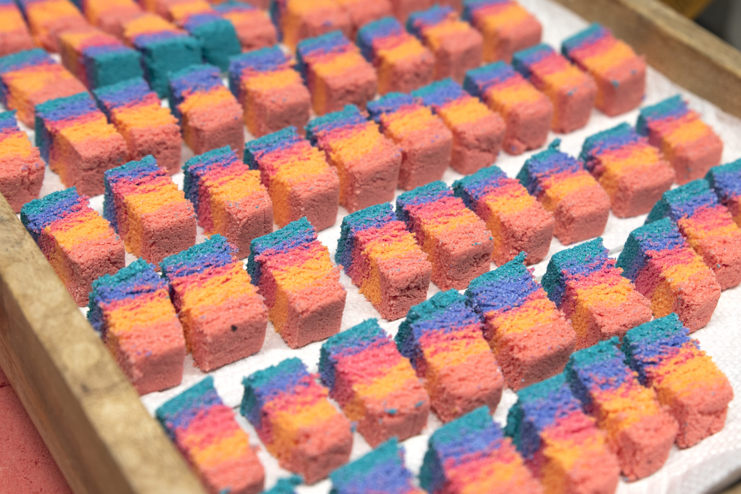 Creating Multi Colored Bar Embeds for Bath Bombs